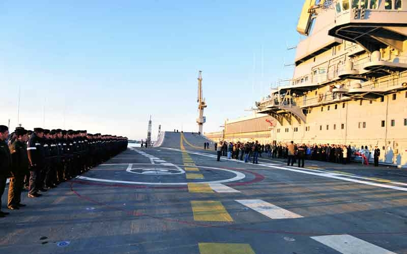 Russian and Indian teams on the Flight Deck of Vikramaditya