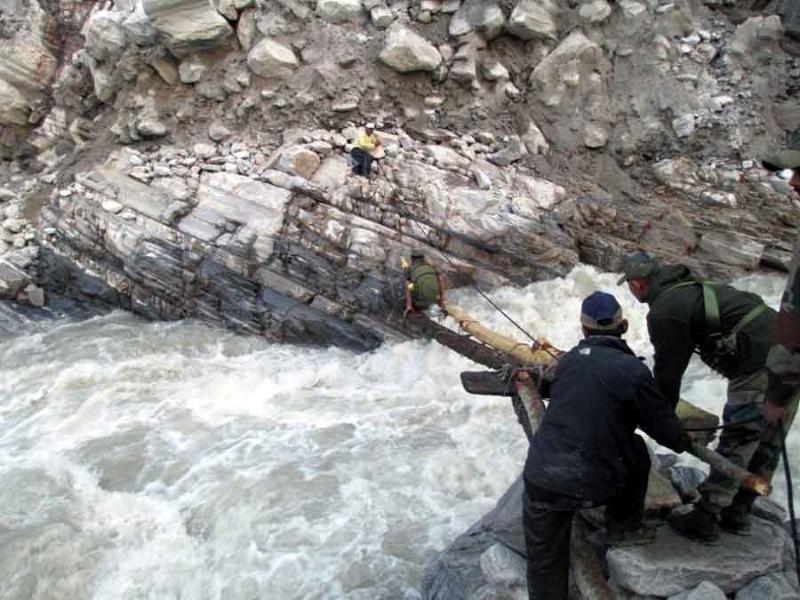 rescue_pindari_glacier_indian_army_1