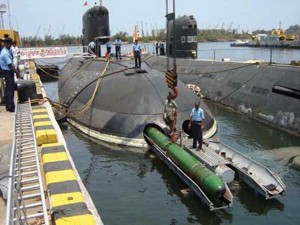 Torpedo-Loading-on-a-TLM-Ca