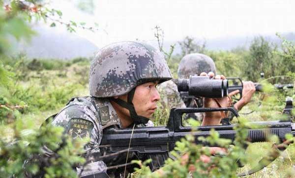 Frecuentes ejercicios militares  con fuego real en el Tíbet alarman a la India  PLA-training-1