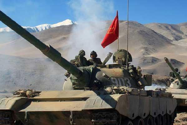 Frecuentes ejercicios militares  con fuego real en el Tíbet alarman a la India  PLA-training-6