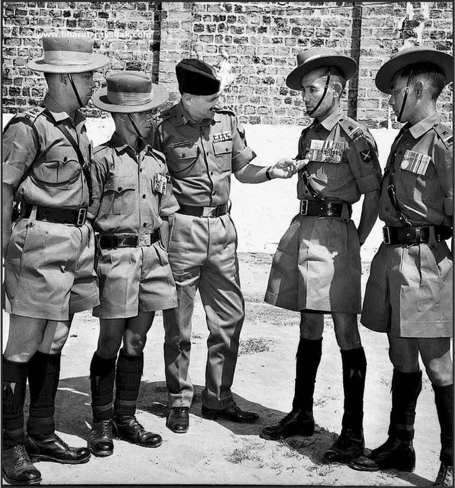 Field Marshal Sam Manekshaw with Gurkha soldiers