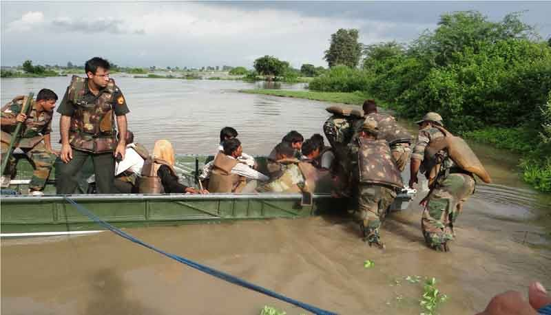 Army rescues villagers stranded due to floods in Jhansi