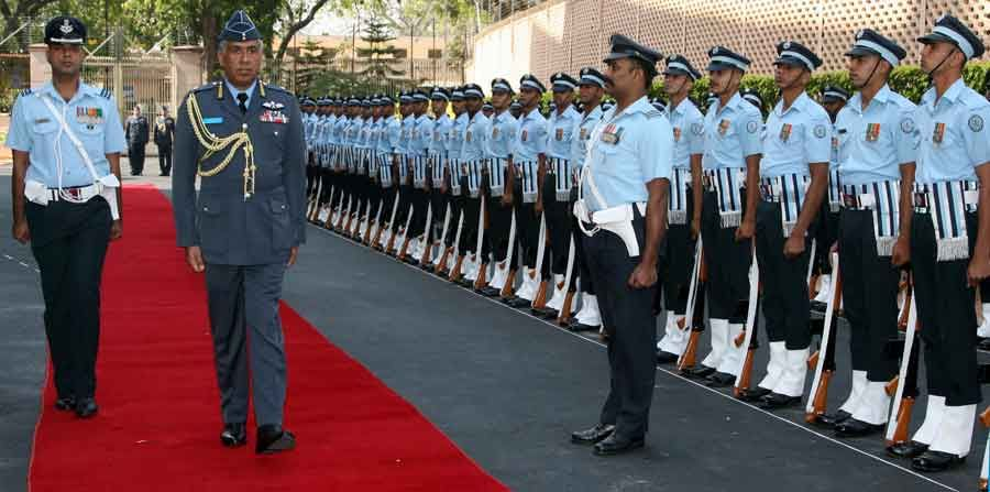 Guard of Honour to Air Vice Marshal of The Royal Air Force of Oman (CRAFO)