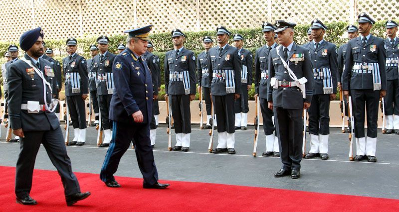 Commander in Chief, RFAF, Col Gen Viktor Nikolaevich Bondarev reviewing the Guard of Honour
