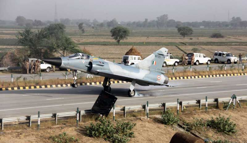 An Indian Air Force (IAF) Mirage -2000 lands at Yamuna Expressway