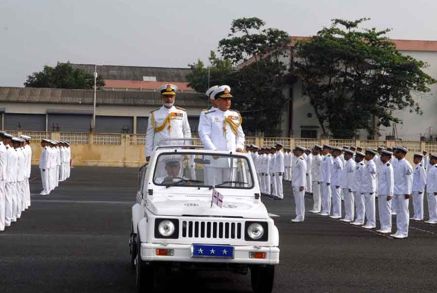 Vice Admiral Satish Soni inspecting the Parade accompanied by Vice Admiral KN Sushil