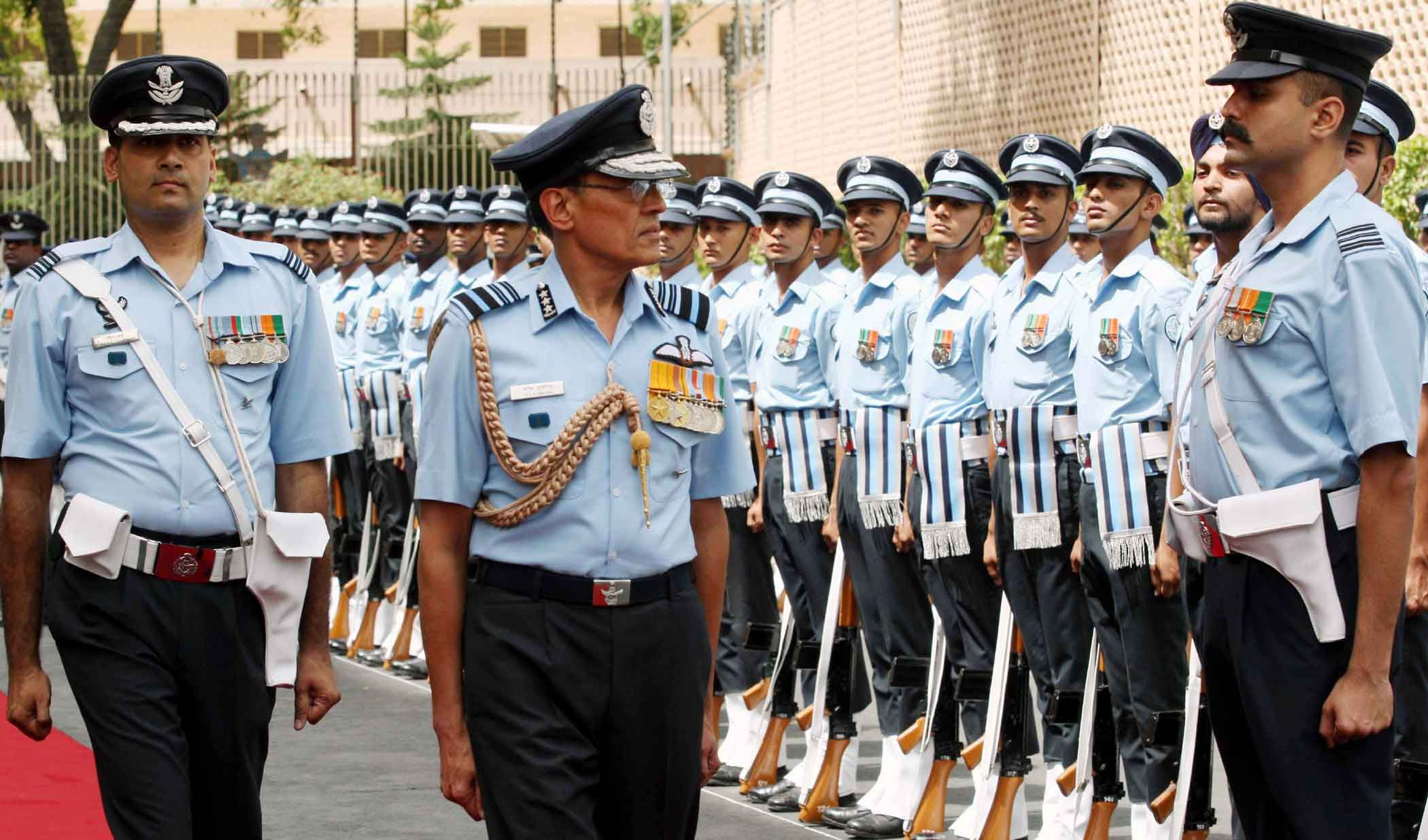 Air Marshal DC Kumaria reviewing the Guard of Honour.