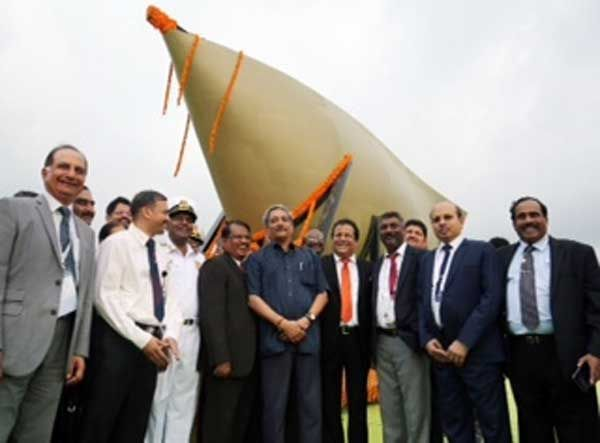 Defence Minister flagged off India's first indigenously developed SONAR dome during Defexpo