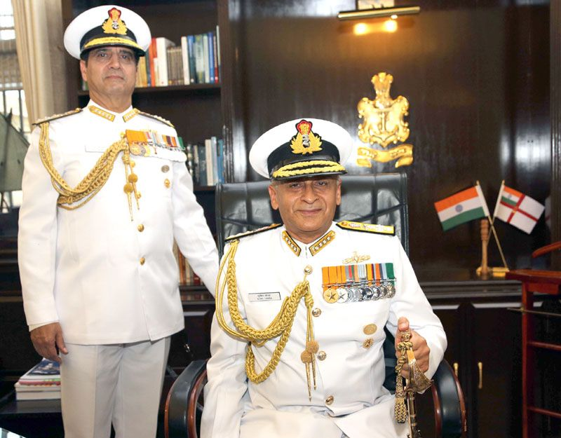 Admiral Sunil Lanba , PVSM, AVSM, ADC assumes command of Indian Navy