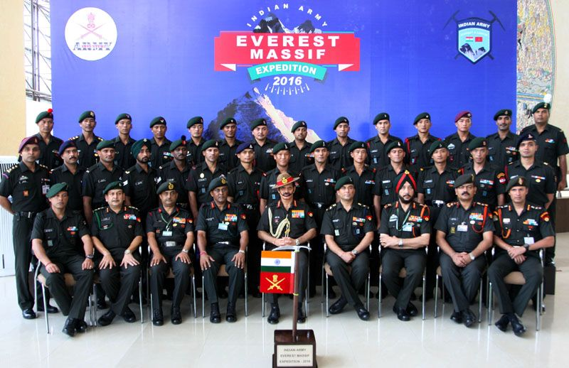 Gen Dalbir Singh, COAS Flags in Indian Army Mount Everest Expedition