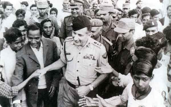 Manekshaw in Bangladesh in 1971