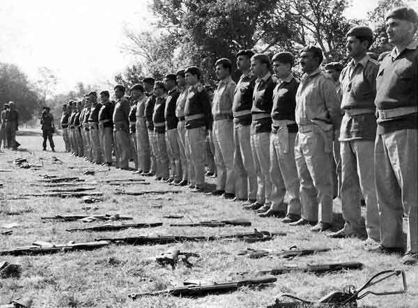1971: Pakistan surrenders